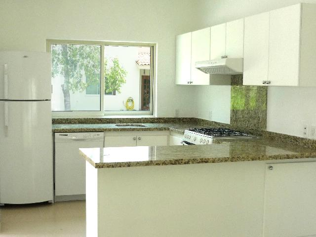Granite Countertops on kitchen and all appliances (Dishwasher included)