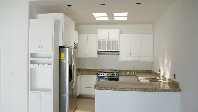 Kitchen with Luxury Appliances Included