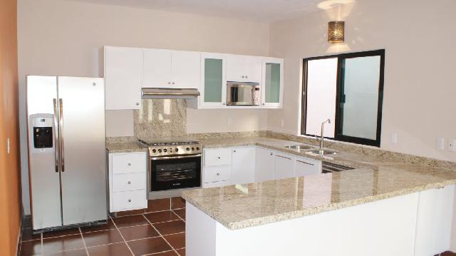 Granite Kitchen with all the Appliances