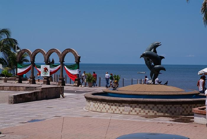 Puerto Vallarta Dolphins and Arches