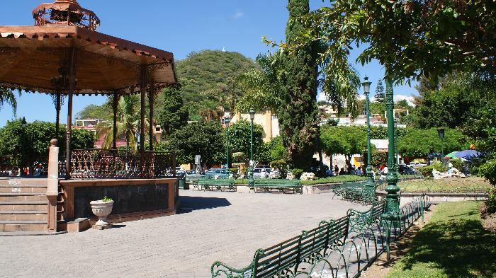 The plaza in Chapala